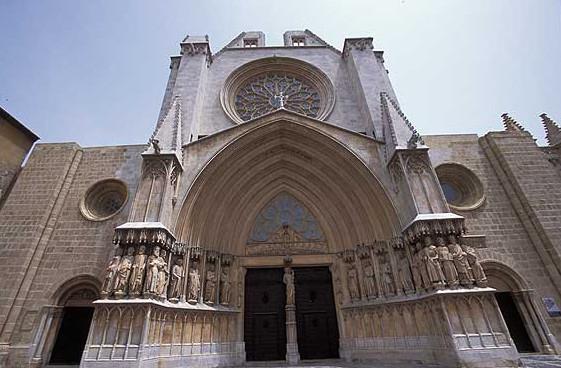 В Барселоне начинаются  ночные экскурсии по Собору Санта-Мария-дель-Пи