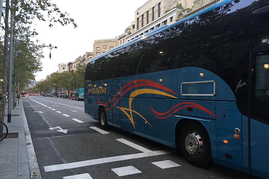 10-prichin-vybrat-avtobus-v-barselone
